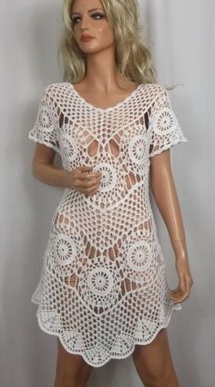 white crochet dress by ALDOARThandmade on Etsy Mais Crochet Motifs, Crochet Tunic, Crochet Clothes, Crochet Lace, Crochet Patterns, Crochet Bodycon Dresses, Knit Dress, Boho Style Dresses, Moda Boho