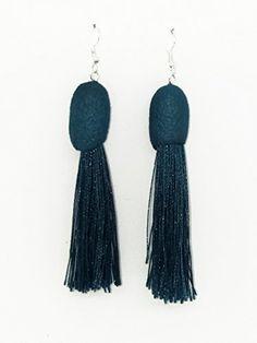 Pendientes de seda y flecos en color azul verdoso. Color Azul, Drop Earrings, Jewelry, Fashion, Dyed Silk, Bangs, Earrings, Blue Nails, Colors
