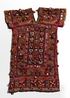 Sindh, Pakistan: [kanchali] c. 1920 Textile, cotton, silk thread, metallic thread, plastic beads, mica, printed cotton lining Technique: embroidery, buttonhole stitch, darning stitch, satin stitch