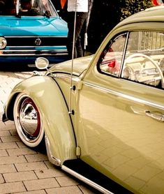 Classic Car News Pics And Videos From Around The World Volkswagon Van, Vw Volkswagen, Cool Bugs, Jeep Truck, Commercial Vehicle, Vw Beetles, Old Cars, Cars And Motorcycles, Dream Cars
