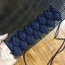 Longstitch chevron cushion - site no longer available. Discover thousands of images about Longstitch chevron cushion? Bargello - needlepoint embroidery, using straight stitches in a repeating mathematical pattern discount sunbre Bargello Needlepoint, Broderie Bargello, Diy Broderie, Needlepoint Stitches, Needlework, Diy Embroidery, Cross Stitch Embroidery, Embroidery Patterns, Cross Stitch Patterns