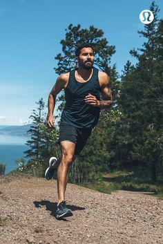Take it all in stride in technical run gear for men.