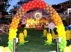 festa de São João decorada com balões http://www.baloespersonalizados.com.br/baloes-personalizados/baloes-de-sao-joao/