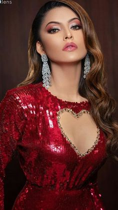 Urvashi rautela cute and hot bollywood Indian actress model unseen latest very beautiful and sexy wedding smile images of her body curve sou. Beautiful Girl Indian, Most Beautiful Indian Actress, Beautiful Actresses, Bollywood Girls, Bollywood Actress, Bollywood Style, Men's Fashion, Fashion Week, Indian Celebrities