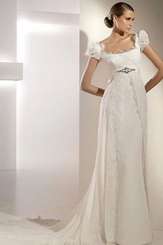 Gorgeous... I think this dress would look perfect on my daughter some day.... Soft, Romantic and Feminine