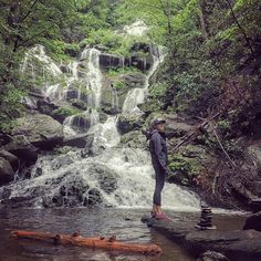 Reposting @outdoor_suni: When Monday and Tuesday kick your ass and the only way to cope is to chase waterfalls in the rain. #therapy #ForceOfNature . . . . . . . @skglance #828isgreat #optoutside #liveauthentic #discoverearth #photooftheday #beautifuldestinations #asheville #adventure #mountains #modernoutdoorsman #blueridgemoments #stayandwander #nature #exploringtheglobe #northcarolina #wildernessculture #getoutstayout #blueridgemountains #neverstopexplorng