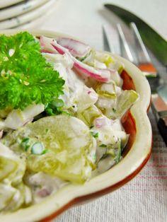 Sio-smutki: Sałatka z kiszonych ogórków i czerwonej cebulki Potato Salad, Salads, Potatoes, Cooking Recipes, Ethnic Recipes, Kitchen, Food, Plant, Polish