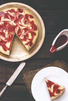 Cheesecake with strawberry swirls (2)