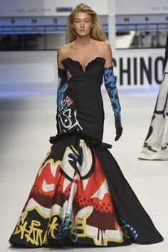 LOOK | 2015-16 FW MILAN COLLECTION | MOSCHINO | COLLECTION | WWD JAPAN.COM