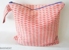 red blue fabric large beach bag Large Beach Bags, Wet Bag, Fashion Fabric, Blue Fabric, Mini Bag, Red And Blue, Etsy Seller, Creative, Small Bags