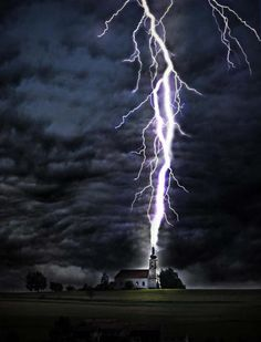 Lightning Strikes a Church Steeple All Nature, Science And Nature, Amazing Nature, Tornados, Thunderstorms, Thunderstorm Clouds, Natural Phenomena, Natural Disasters, Fuerza Natural