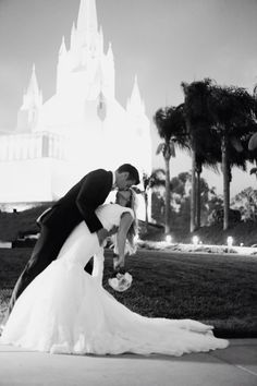 San Diego Temple #lds #wedding http://www.merrilyphoto.com