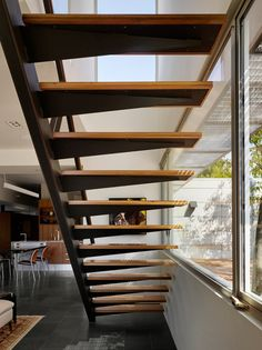 Shou Sugi Ban House by Schwartz and Architecture. Browse inspirational photos of modern homes. From midcentury modern to prefab housing and renovations, these stylish spaces suit every taste. Home Stairs Design, Interior Stairs, Interior Architecture, House Design, Escalier Design, Floating Stairs, Modern Staircase, House Stairs, Prefab Homes