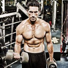 Scott Adkins Workout Routine and Diet: Train like Yuri Boyka Three Days Grace, Tgif, Sport Motivation, Fitness Motivation, Gym Fitness, Best Body Men, Scott Adkins, Sunday Quotes Funny, Streaming Hd