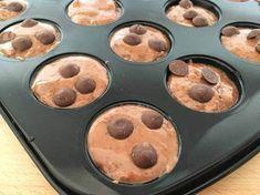 Post: Chocolate chip mini muffins – un bocado no muy dulce delicioso --> Chocolate chip mini muffins, magdalenas pequeñas, muffins cacao, muffins caseras, muffins chocolate, muffins pepitas chocolate, postres fáciles, postres rápidos, recetas delikatissen, food photography