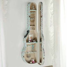 Junk Gypsy Sweetheart Of The Rodeo Jewelry Case from PBteen. Saved to Dream room. Casa Rock, Diy Room Decor, Bedroom Decor, Bedroom Ideas, Teen Bedroom, Decor Crafts, Art Decor, Guitar Case, Guitar Shelf