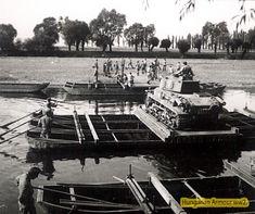 Átkelés vízen. Defence Force, Hungary, Wwii, Tanks, Army, History, Military Photos, Gi Joe, Historia