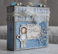 Another beautiful stationery box.