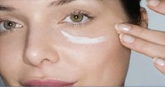 Everybody knows the great benefits of Baking Soda. Many people use baking soda in cosmetics, when cleaning the house, when cooking etc. However, women love its benefits about beauty. The most effective face masks are full with baking soda. Baking Soda Under Eyes, Baking Soda Face, Protective Hairstyles, Beauty Regimen, In Cosmetics, Homemade Cosmetics, Tips Belleza, Diy Face Mask, Face Masks