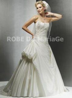 Robe princesse bustier en coeur broderies petit train robe de mariée