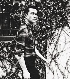 """jglnews: """" """" Joseph Gordon-Levitt photographed by Beau Grealy. """" Finally more pictures from the ELLE shoot. A few more from this set can be found at the photographer's. Gorgeous Men, Beautiful People, You're Beautiful, Pretty People, Pillos, Creatures 3, Joseph Gordon Levitt, Child Actors, Daddy Yankee"""