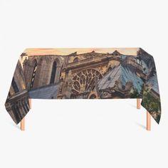 Tafelkleed Notre Dame   Fleur je keuken op met dit weerbestendige tafelkleed bestaande uit geweven linnen met PVC.   #tafelkleed #keukentextiel #keuken #kleed #pvc #print #opdruk #tafel #weerbestendig #notredame #parijs #frankrijk #architectuur