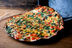 Spinach and red peppers bring vitamin A and vitamin C to this beautiful frittata Spinach is also an excellent source of a long list of other nutrients, including vitamin K, manganese, folate and magnesium And it's packed with protective phytonutrients, including the newly discovered glycoglycerolipids, which some researchers believe may help protect the digestive tract from inflammation.