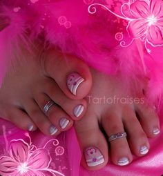 cute nail art designs for your toes. I can't wait to try some;)