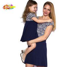 Vestido madre e hija para vestir igual #madreehija #momlife #madre #familia #moda #modainfantil #vestidos #primavera #niñas #fashion #estampado Kids Fashion, Strapless Dress, Mom, Dresses, Mom And Girl, Fall Winter, Spring Summer, Kids Fashion Boy, Fashion For Girls