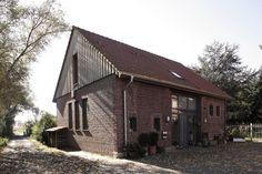 Ehemalige Scheune nach dem Umbau : Landhäuser von Lecke Architekten