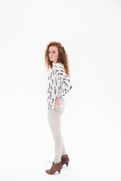 THE Pants compliments any figure elegant and trendy, paired with our feathered shirt. Feathers, Compliments, White Jeans, Pairs, Elegant, Lace, Tops, Women, Fashion