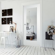 Our White Primed Shaker 1 Light Clear Glass Door & Frame Kit is the perfect internal door for your home. Buy high quality online wooden doors, from only Green Tree Doors Buy today and save! White Internal Doors, Internal Wooden Doors, White Doors, Architrave Door, Open Plan Kitchen Living Room, Relax, Oak Doors, Single Doors, Sliding Glass Door