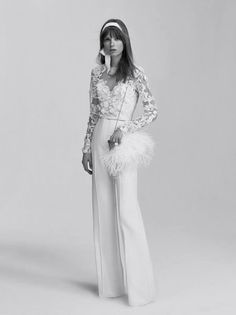 Brides wearing Feathers: The Most Chic