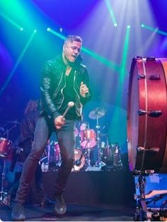 Dan Reynolds, Imagine Dragons perfomance at the AMA's Kinds Of Music, Music Is Life, My Music, Imagine Dragons, Wayne Sermon, Music Genius, Dan Reynolds, King And Country, Music Bands