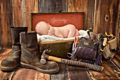 Mari Annelise Photography  Www.mariannelisephoto.com Newborn photography  Baby in a toolbox