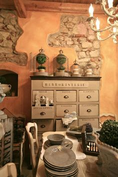 BOISERIE & C.: Ocra gialli terracotta sfumati alle Pareti