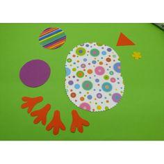 Eine einfach erklärte Bastelidee für Kinder! Mit bunten Papieren, Perlen und Federn einen farbenfrohen Vogel gestalten. Die Anleitung findest du hier. Diy For Kids, Crafts For Kids, Diy Crafts, Flamingo Party, Textiles, Easter Crafts, Projects To Try, Kids Rugs, Homemade