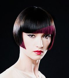Bob with a combination of black and purple hair colors. Short Bob Hairstyles, Popular Hairstyles, Cool Hairstyles, Flapper Hairstyles, Brown Straight Hair, Creative Hair Color, Hair Color Purple, Coloured Hair, Dream Hair