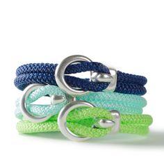 Seefahrerarmbänder mit Segelseil und Verschluss aus Metall. Alle Materialien sind bei Glücksfieber erhältlich.