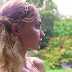 Crown yourself with swirling blush silver filigree. Inspired by traditional henna designs, the tiara-like Flower Headband will intrigue all you encounter. Wheth