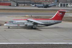 northwest airlines   File:Northwest Airlines Avro RJ85.jpg - Wikimedia Commons