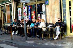 Ψυχολογικός Φάρος: Για αυτούς που τολμούν και βγαίνουν μόνοι Tour Eiffel, Canal Saint Martin, Coffee Images, Blended Coffee, Perfect Cup, France, Blog Voyage, Parcs, Urban Landscape