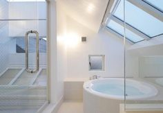 409 SF Studio NOA Tiny House in Sanno 007 - the tub