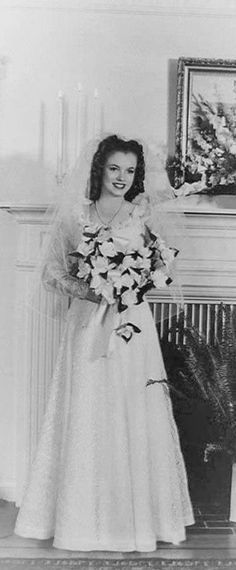 1942: Marilyn Monroe wedding day to Jim Dougherty …. #marilynmonroe #pinup #monroe #marilyn #normajeane #iconic #sexsymbol #hollywoodlegend #hollywoodactress #1940s