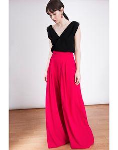 144d7f091 Estos pantalones palazzo son la pieza estrella para invitadas de la  colección de Laurenn Lynn London