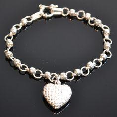 Elegante zilveren armband met een prachtige zilveren hart. Prijs: 54,95€ Gratis verzending in NL http://www.dczilverjuwelier.nl/zilveren-armbanden