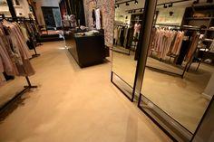 Stoopen&Meeûs Stuc Deco floors for Retail. Botthy Geraardsbergen. Belgian Tadelakt.