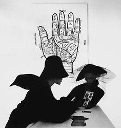 The Tarot Reader (Bridget Tichenor and Jean Patchett), New York, 1949 (Irving Penn)