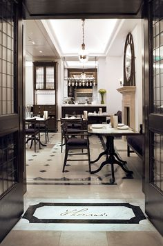 Inside Look: Burberry's First London Cafe | HUH.
