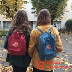 JU - ysaure and I, on a sweet autumn day. Mochila Kanken, Kanken Backpack, Kanken Outfit, Backpack Outfit, Besties, Fjallraven, Look Vintage, Retro, Purses And Bags